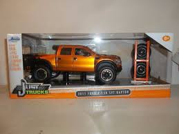 UPC 801310971925 - Just Trucks 1:24 Scale Die Cast Vehicle 2011 Ford ...