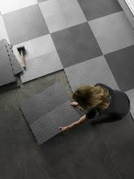 gladiator garageworks gaft48ttps silver floor tile 12