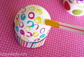 Decorate Easter Eggs With Straws And Paint