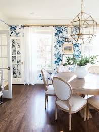 Classic White And Blue Floral Wallpaper