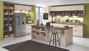 moderne hellbraune l küche mit mittelinsel u küche