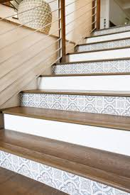 Stair Nosing For Vinyl Tile by Best 20 Tile On Stairs Ideas On Pinterest Wallpaper Stairs