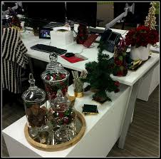 Christmas Cubicle Decorating Ideas by 40 Office Christmas Decorating Ideas All About Christmas