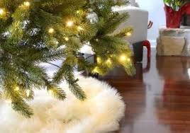 8 No Sew Tree Skirts To Make Your Look Amazing Concept Of Faux Fur Christmas