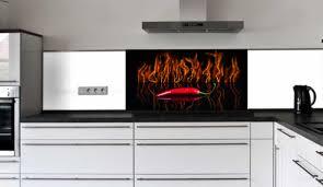 küchenrückwand glasbild peperoni in flammen e