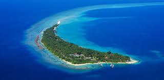 100 Kuramathi Island Maldives Resort Beach Traveller