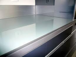 plan de travail cuisine en verre étourdissant plan de travail verre noir avec plan de travail