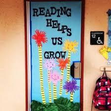 Dr Seuss Door Decorating Ideas by Dr Seuss Wreath Teacher Wreath Classroom Wreath Teacher