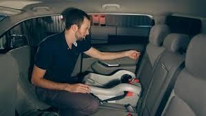 fixer siege auto comment installer un siège de bébé coup de pouce