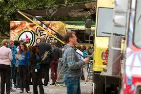 100 Food Trucks Atlanta GA USA October 16 2014 Customers Stand In Line