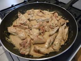 cuisiner les filets de poulet blancs de poulet sauce ciboulette recette très facile recettes