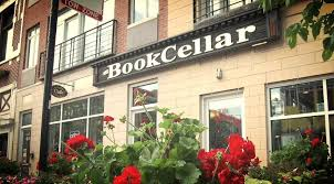 Over the past 25 years Chicago—like most American cities—has lost quite a few bookstores First independent booksellers like Kroch s and Brentano s