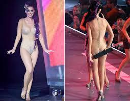 Sofia Vergaras Dress Mishap Picture