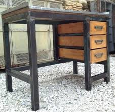 bureau metal et bois meuble bureau metal caisson industriel lovely bois pics et noir