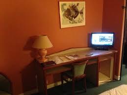 restaurant le bureau le bureau et la tv picture of hotel restaurant le rive gauche