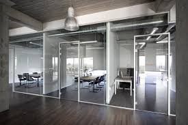 bureau paysager portes en verre breen