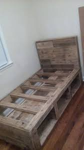 How To Make A Platform Bed Out Of Wood Pallets by Best 25 Kids Pallet Bed Ideas On Pinterest Reading Tent Kids