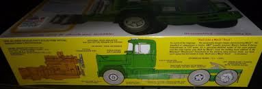 AMT MACK R685ST TRACTOR Truck 1/25 Model Car Mountain NEW ISSUE ...