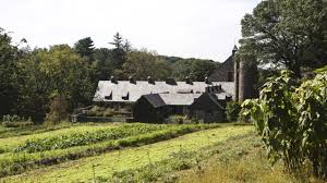 8 Chef-approved Day Trips From NYC | Am New York Blue Hill At Stone Barns Is The Latest To Eliminate Tipping Find Pocantico Hills New York Five And A Half Exhausting Elating Hours P Is For Pecking Grazing Rooting The 13 Best Restaurants Not In Nyc Road Stephanie Mike Late Summer Romance At Wedding Brooklyn Photographer Shelly Real Life Hudson Valley Ny Alice Stephens Rockys Birthday This Guys Food Blog Gourmadela