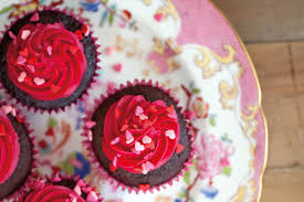one pot chocolate and raspberry cupcakes header