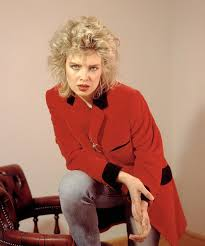 Kim Wilde Rockin Around The Christmas Tree by Kim Wilde Tells How Her Tipsy Train Trip Sing Song Set Her On The