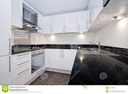 Moderne Weisse Küchen Bilder Moderne Weiße Küche Stockbild Bild Hell Sauber 12719077