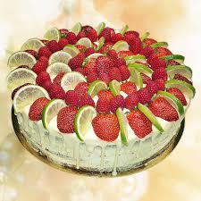 Hochzeitstorte Mit Erdbeeren Und Limetten Torten Für Besondere Anlässe Aus Wunderlichs Backstuben