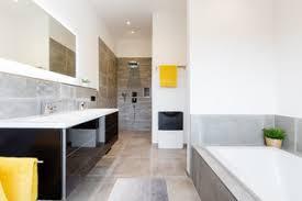 75 badezimmer mit grauen fliesen ideen bilder april