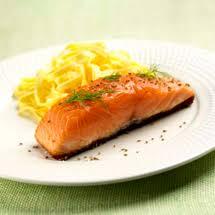 cuisiner pavé de saumon poele recette pavés de saumon à l 039 unilatéral facile francine