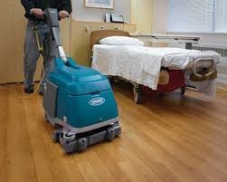 Tennant Floor Scrubber T3 by Tennant T1 And T1b Battery Compact Scrubber Powervac Cleaning