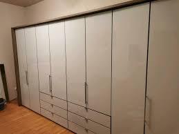 falttürenschrank schlafzimmer schrank glas weiß 4m breit