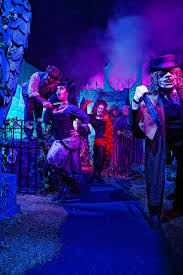 Knotts Halloween Haunt Mazes by Haunted Houses Mazes And More U2013 Orange County Register