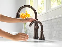 Delta Touch Faucet Battery by Faucet Com 1914t Ar In Arctic Stainless By Delta