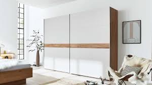interliving schlafzimmer serie 1002 schwebetürenschrank 912710 sandfarbener lack balkeneiche breite ca 270 cm