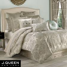 Romance Spa Fleur de Lis forter Bedding by J Queen New York