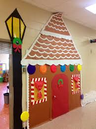 Funny Christmas Cubicle Decorating Ideas by Christmas Door Decoration You Could Use Different Colored Plates