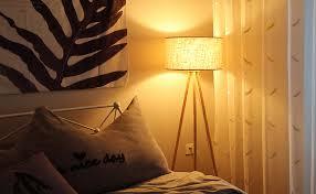 tomons stehle stativ aus holz für das wohnzimmer schlafzimmer skandinavischer stil