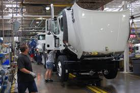 Backlogs Boosting Truck Production Levels | American Trucker