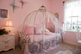 chambre de princesse deco chambre fille princesse disney visuel 9
