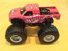 Julian's Hot Wheels Blog: Madusa Monster Jam Truck (2016 Special ...