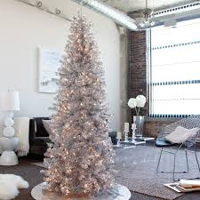 21 Silver Christmas Tree Decor Ideas