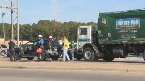 100 Truck Wrecks Caught On Tape Four Hospitalized In Garbage Truck Wreck