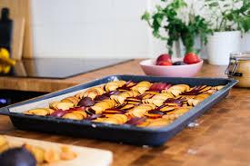 veganer pflaumenkuchen vom blech aus nur 5 zutaten