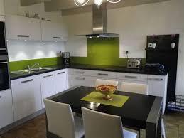 cuisine blanche pas cher cuisine blanche et verte 15 d233coration maison de cagne un