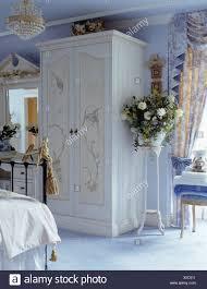 bemalt und dekoriert blau schrank im blauen