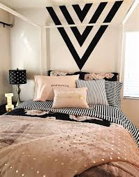 blush and black bedroom schlafzimmer design cloudy pics
