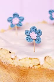 rhabarber rahm kuchen mit streusel baiser
