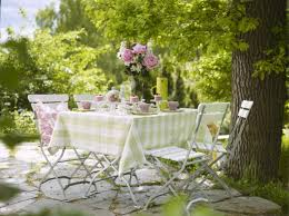 Brilliant Garden Table Decor Decorating Ideas Greatindex