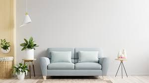 weiße wand wohnzimmer haben sofa und dekoration 3d