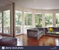 einfamilienhaus wohnzimmer fensterfront wohnhaus haus